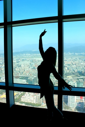 Playing ballerina at Taipei 101