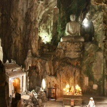 Huyen Khong Buddhist grotto